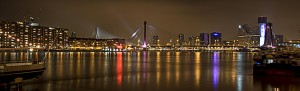 rotterdam skyline by night 300x91 Auto inruilen Rotterdam